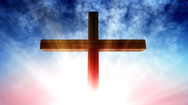 vídeos de stock e filmes b-roll de calvary cross of christ light background - cristo redentor