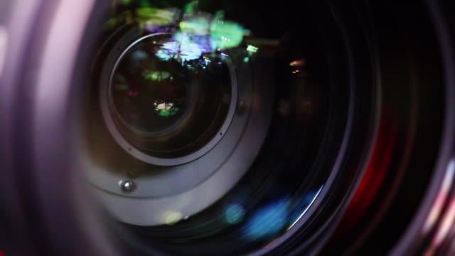 メディア制作イベント中のカメラレンズ - 映画用カメラ点の映像素材/bロール