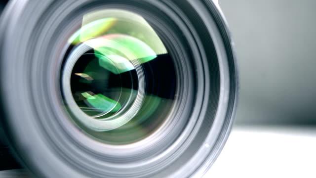 kamera-objektiv, fotografieren - überwachungskamera stock-videos und b-roll-filmmaterial