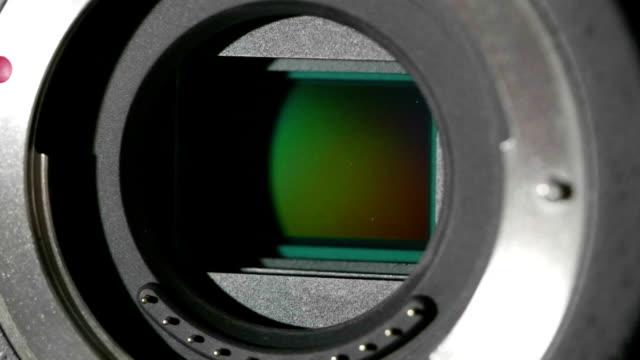 hd - カメラのセンサー。クローズ アップ シャッター動作します。 - センサー点の映像素材/bロール