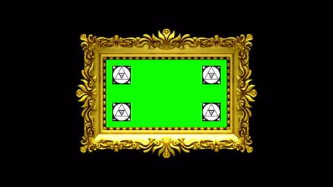 vídeos y material grabado en eventos de stock de la cámara de zoom en el marco de oro sobre fondo negro. marcadores de seguimiento de movimiento y pantalla verde incluido. animación en 3d. - ornamentado
