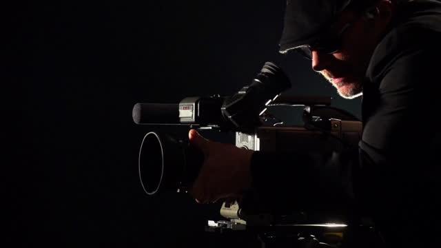 kamerzysta zdjęcia - dekoracja filmów i materiałów b-roll