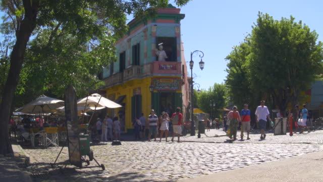 caminito, la boca strada principale - argentina america del sud video stock e b–roll
