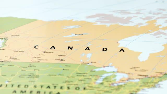 north america canada on world map - alaska stato usa video stock e b–roll
