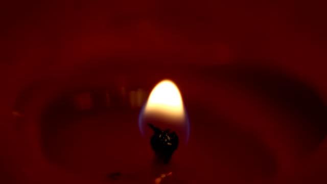 ljuset är tänt och extinguished - människoblod bildbanksvideor och videomaterial från bakom kulisserna