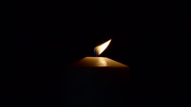 Kerze Licht Ausblasen in – Video