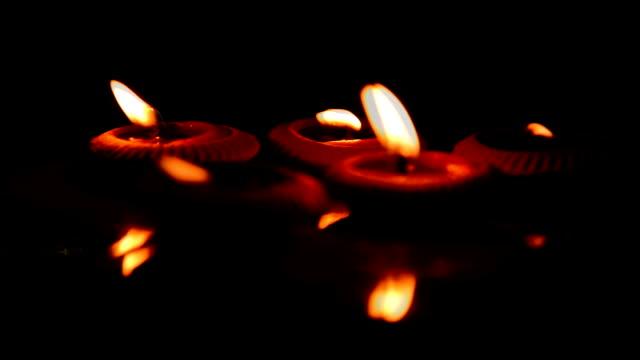 candlelight - mahnwachen stock-videos und b-roll-filmmaterial