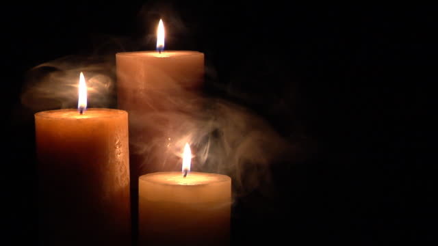 stockvideo's en b-roll-footage met candle with smoke - minder dan 10 seconden