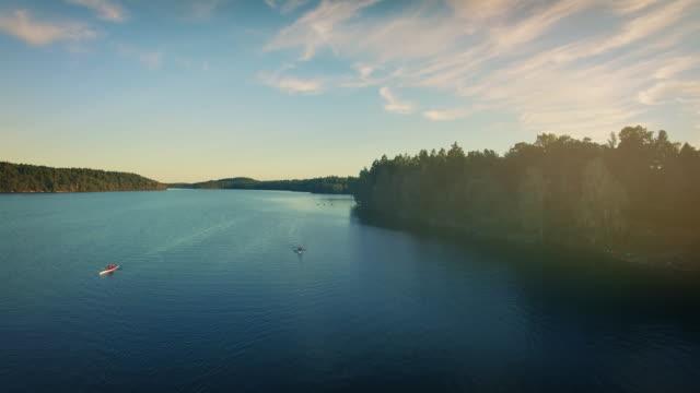 paddla kanot på en sjö i sverige - swedish nature bildbanksvideor och videomaterial från bakom kulisserna