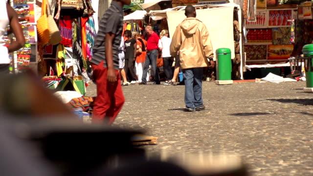 rallentatore-città del capo market place - souk video stock e b–roll