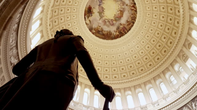 E.U. edifício Capitol Rotunda George Washington em Washington, DC - 4k/UHD - vídeo