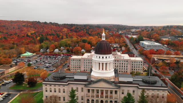 capitol building state house augusta maine autumn season aerial - stolice filmów i materiałów b-roll