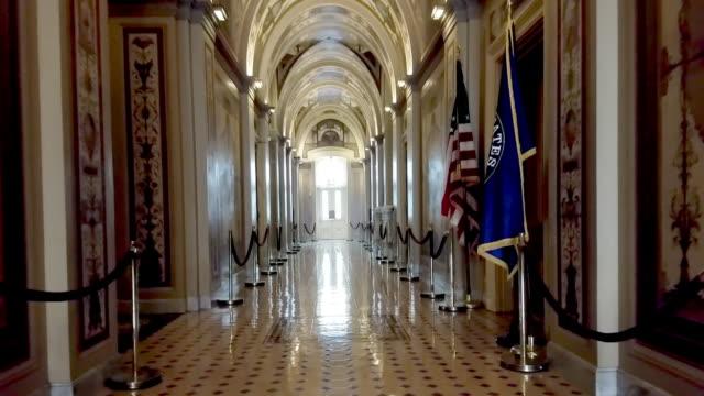 vídeos y material grabado en eventos de stock de estados unidos capitolio salas del congreso senado corredor en washington, dc - político