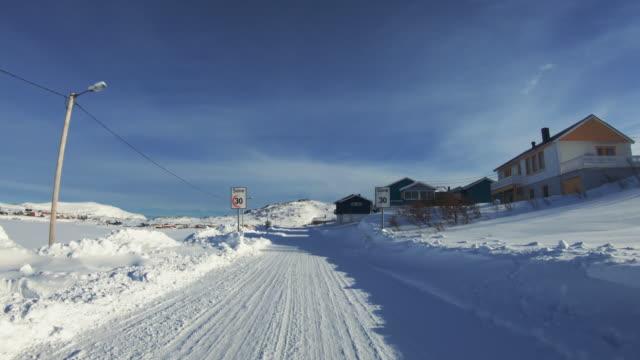 POV Autofahren in der Arktis: Winterstraßen – Video