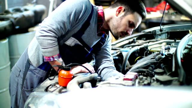Car engine maintenance. video
