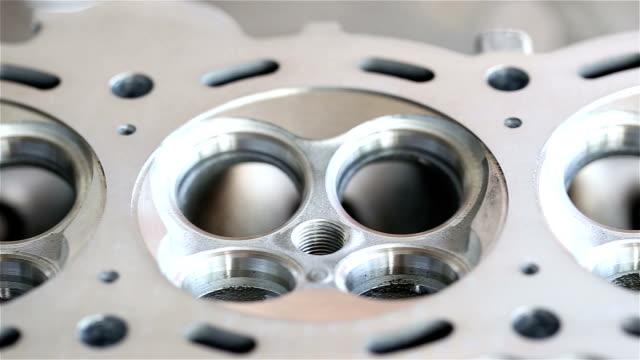 vídeos y material grabado en eventos de stock de mecánico de coches - llave tubular