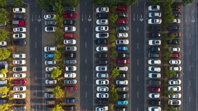 stockvideo's en b-roll-footage met auto parkeren - parking