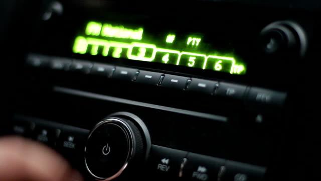 bil radio med cd-spelare - listen bildbanksvideor och videomaterial från bakom kulisserna