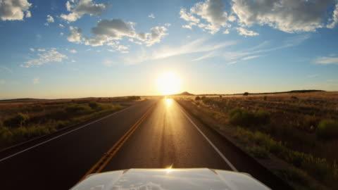 vídeos y material grabado en eventos de stock de conduciendo por carretera de coches pov cerca de canyonlands, moab - conducir