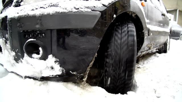 Car stuck in snow video