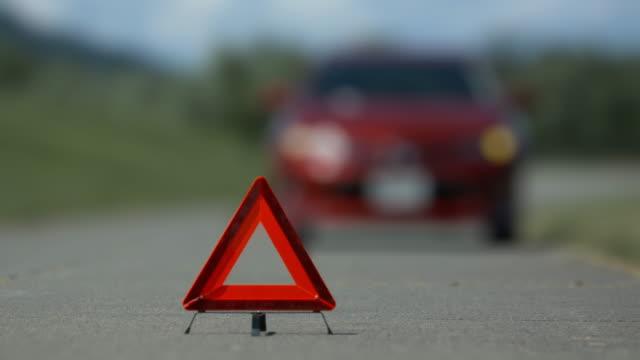 incidente incidente auto maniglia destra - rimorchiatore video stock e b–roll