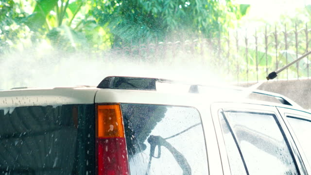 car-waschung - wassersparen stock-videos und b-roll-filmmaterial
