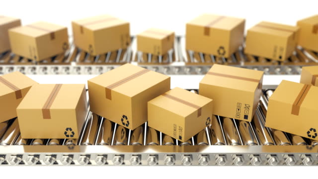 vídeos de stock e filmes b-roll de cardboard boxes progresses along conveyor belt loopable animation. cardboard boxes on conveyor belt. 4k animation - cardboard box