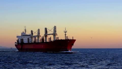 vidéos et rushes de navire à voile de haute mer - navire