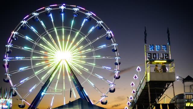 vídeos y material grabado en eventos de stock de carnival ferris wheel - noria