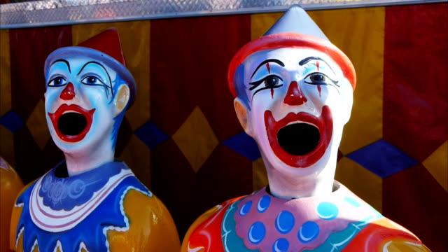 karneval-spiel - volksfest stock-videos und b-roll-filmmaterial