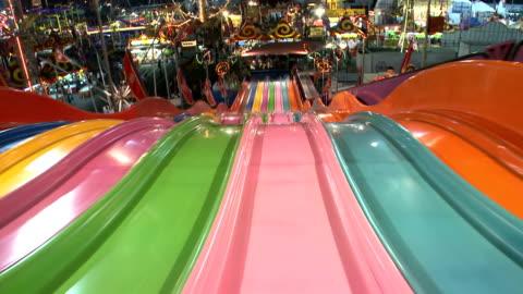 vidéos et rushes de carnaval diapositive pov - glisser