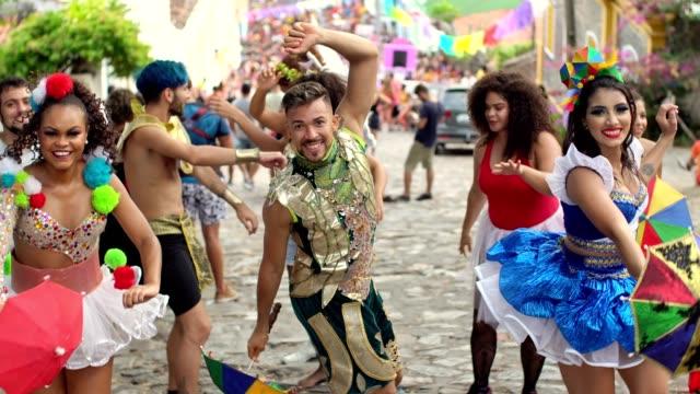 vídeos de stock, filmes e b-roll de carnaval - festival tradicional