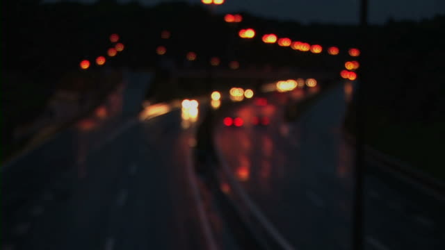 stockvideo's en b-roll-footage met cars driving on road at night - minder dan 10 seconden