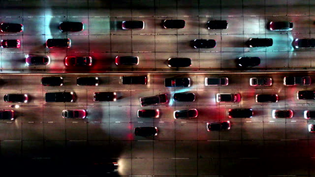 autos fahren langsam im verkehr von los angeles - verkehr stock-videos und b-roll-filmmaterial