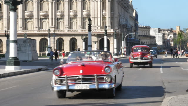 Cars in Havanna City video