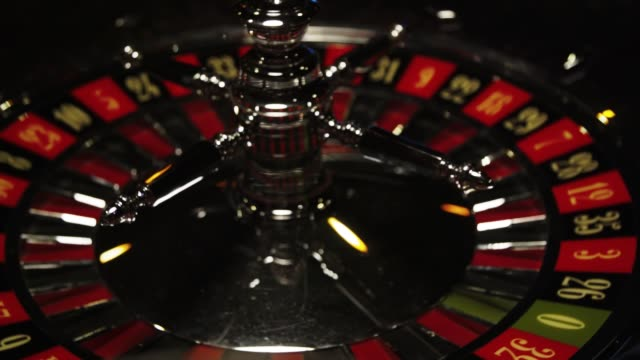 casino roulette to jar of dice - rack focus video stock e b–roll