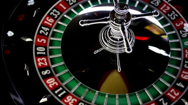 casino roulette - gioco d'azzardo video stock e b–roll