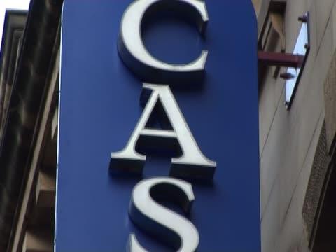 vídeos y material grabado en eventos de stock de casino señal - accesorio financiero
