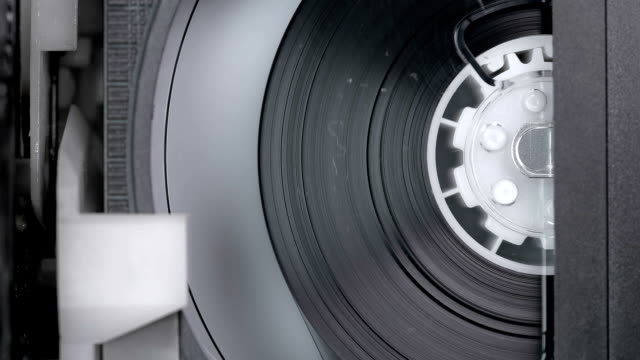 cassette from the vcr to spin while recording video - mangianastri video stock e b–roll