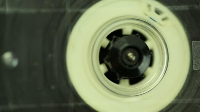 cassetta nastro - mangianastri video stock e b–roll