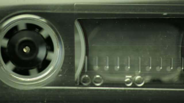 kassette klebeband - aufnahmegerät stock-videos und b-roll-filmmaterial