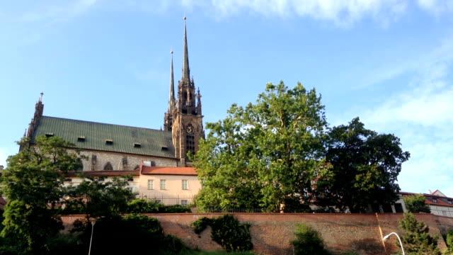 katedralen heliga petrus och paulus czech republic, brno. - peter the apostle bildbanksvideor och videomaterial från bakom kulisserna