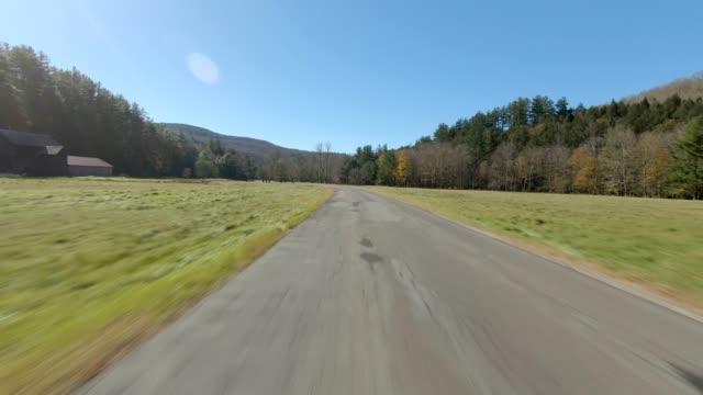 catskills ny ii synched series rear view driving process plate - od tyłu filmów i materiałów b-roll