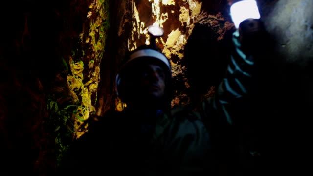 Exploração de caverna - vídeo