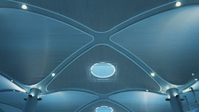 vídeos de stock, filmes e b-roll de teto do edifício moderno - perspectiva espacial