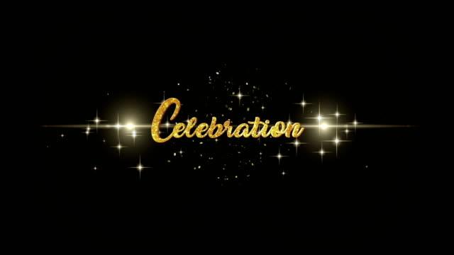 vídeos de stock, filmes e b-roll de celebração beautiful dourado saudação a aparência do texto de piscar partículas com fundo dourado, fogos de artifício. - eventos de gala