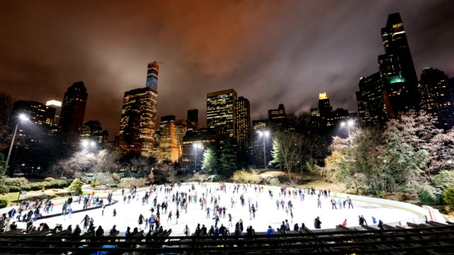Eislaufbahn im Central Park in New York City – Video