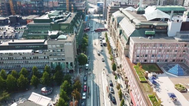 centrala stockholm sett från ovan, hamngatan, kungsträdgården - stockholm bildbanksvideor och videomaterial från bakom kulisserna