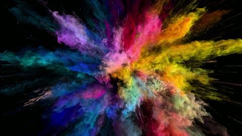 stockvideo's en b-roll-footage met cg animatie van kleur poeder explosie op zwarte achtergrond. slow motion beweging met een versnelling in het begin. heeft alfa mat - 4k resolutie