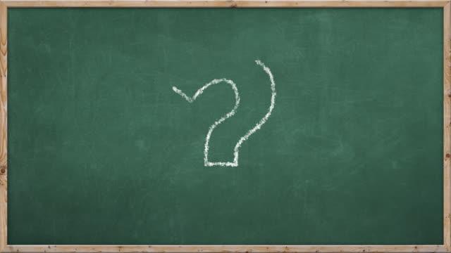 chalkboard scrivere -? - question mark video stock e b–roll